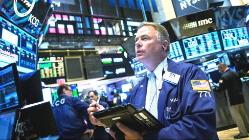 Un agente de Bolsa en Wall Street. (Foto: Getty)