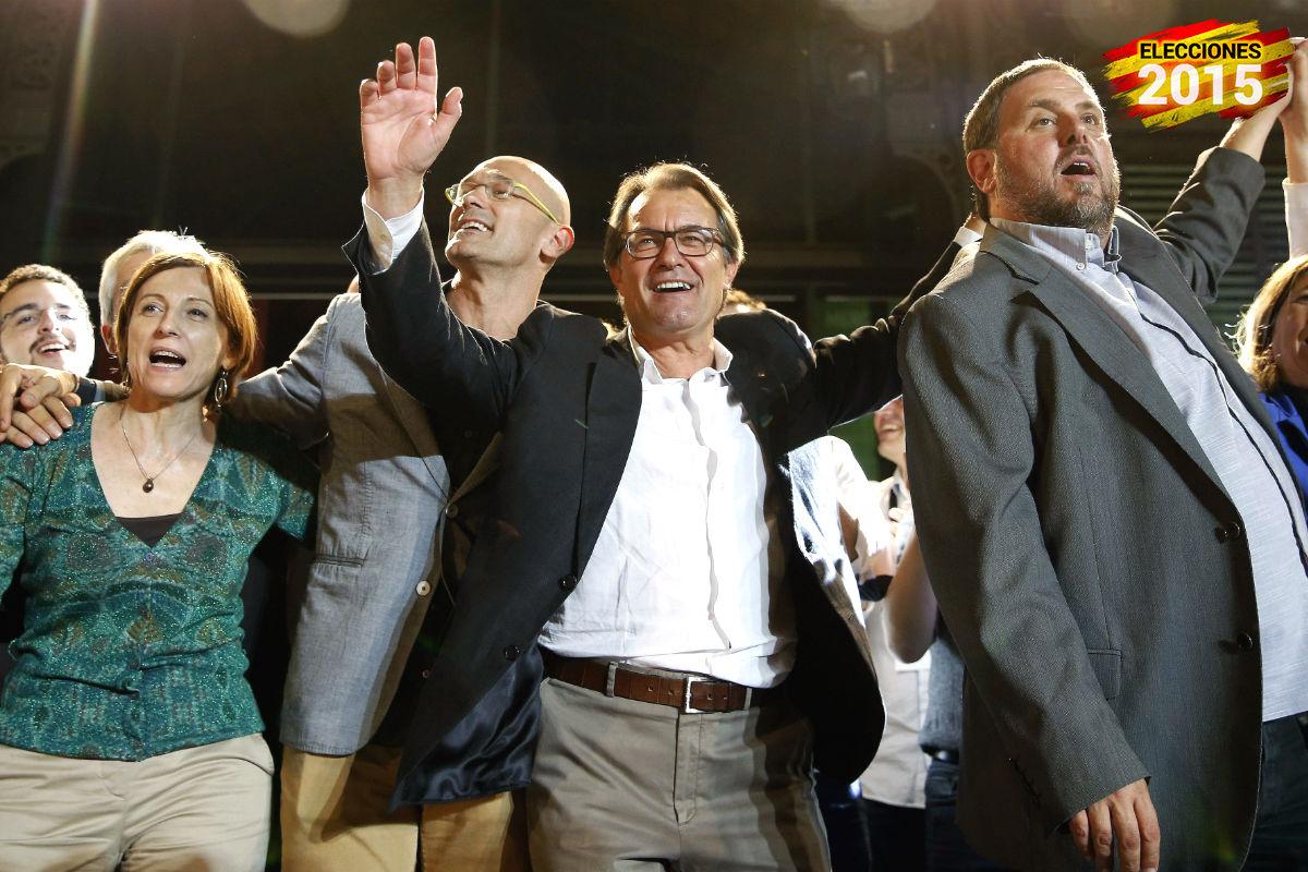 Los líderes Junts pel Sí celebran el resultado electoral (Foto: EFE).