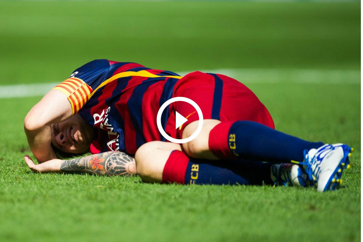 Messi, tirado en el césped tras lesionarse ante Las Palmas. (Getty)