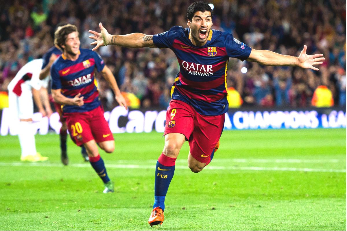 Luis Suárez celebra el segundo gol del Barcelona ante el Bayer Leverkusen. (Getty)