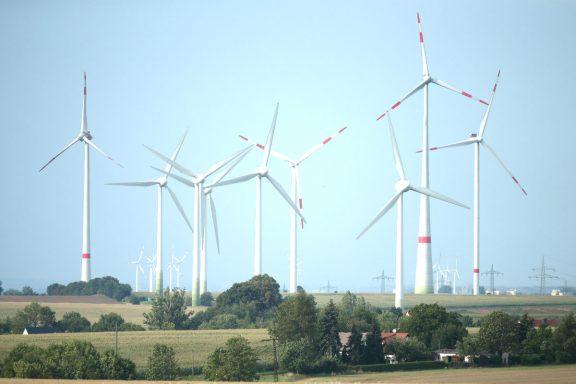Molinos de viento para generar electricidad.
