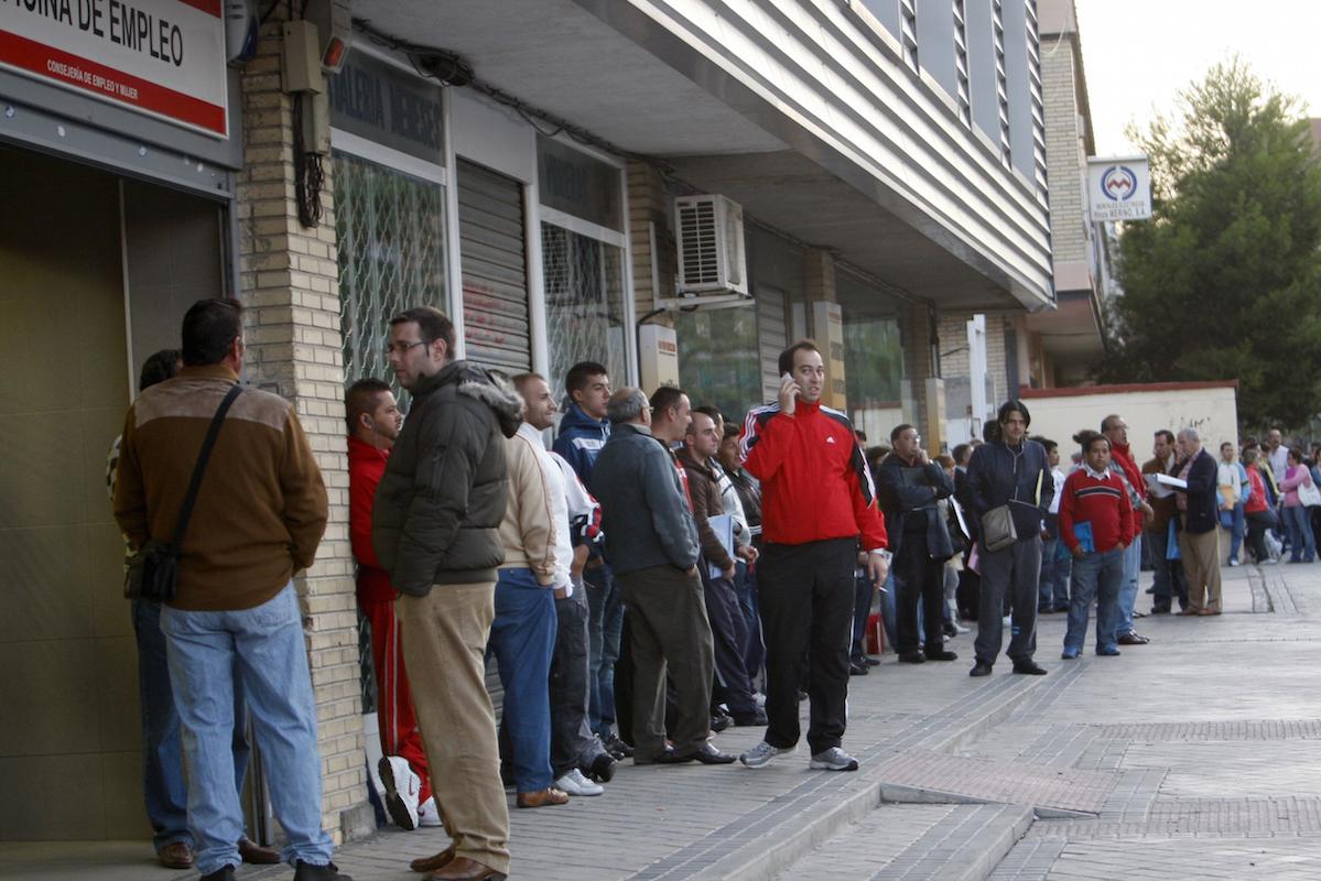 Solo Grecia supera el nivel de desempleo español. (Foto: EFE)