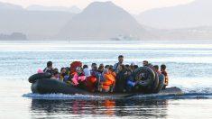 Refugiados llegan a la isla de Kos, en Grecia. (Foto: Getty)