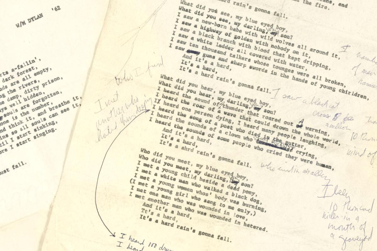 Corrección a mano de Bob Dylan de la canción A Hard Rain's A-Gonna Fall. (Foto: Sotheby's)