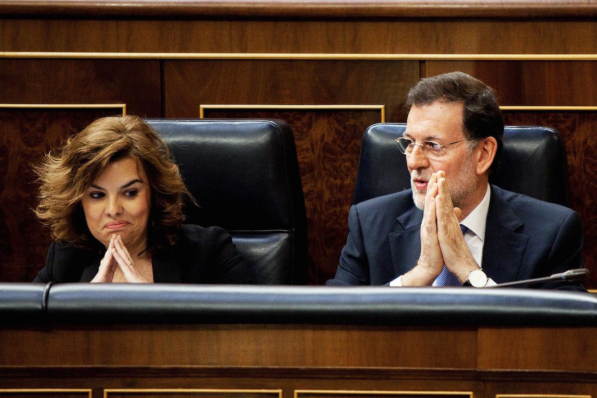 Mariano Rajoy con Soraya Sáenz de Santamaría, en el Congreso de los Diputados.