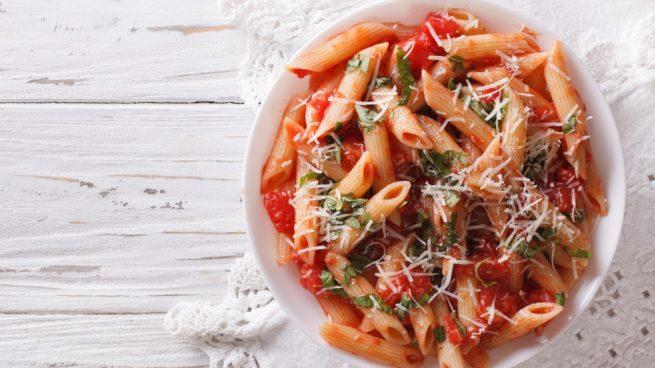 Casa y Jardín- -Gastronomia Receta-de-pasta-con-salsa-arrabbiata-1-655x368