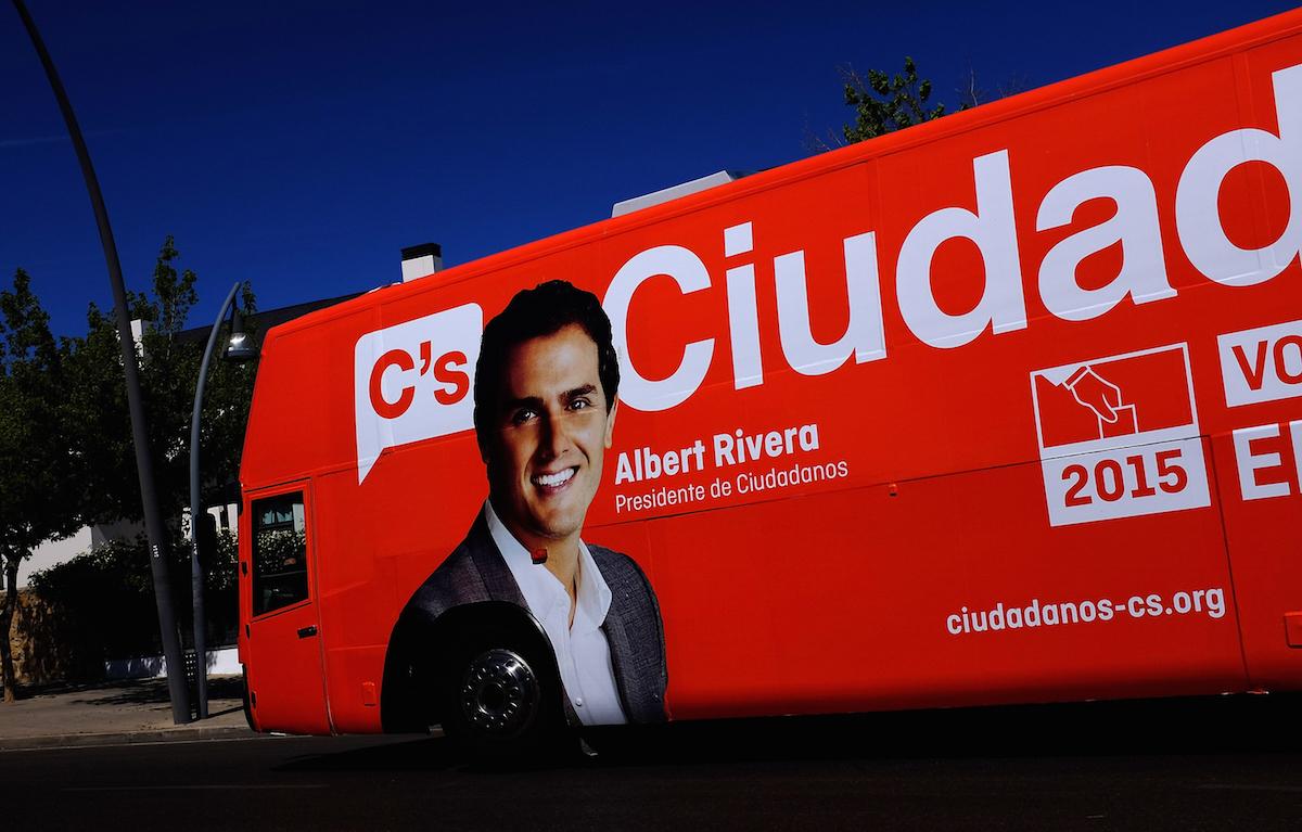 El rostro de Albert Rivera, en un autobús electoral de Ciudadanos (Foto: Getty)