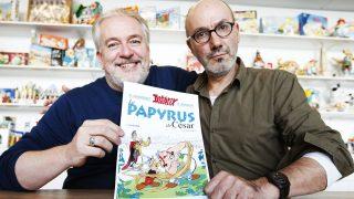 Ferri y Conrad es la nueva pareja al frente de las aventuras de Asterix y Obelix, aquí con su nuevo álbum (Reuters)