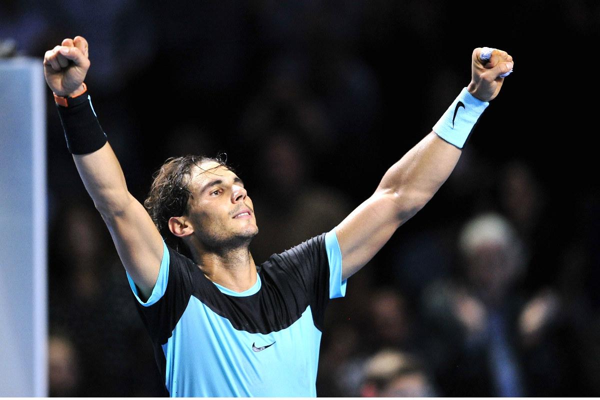 Rafa Nadal levanta los brazos tras vencer a Gasquet.