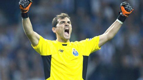 Iker Casillas celebra un triunfo del Oporto