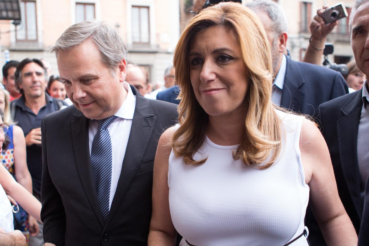Antonio Miguel Carmona, junto a la presidenta del PSOE, Susana Díaz (Foto: Getty)
