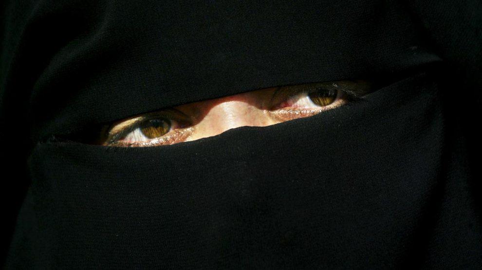 Una mujer de Estado Islámico. (Foto Getty)