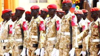 Soldados del ejército de Sudán del Sur forman en el Día de la Independencia. (Foto: GETTY)