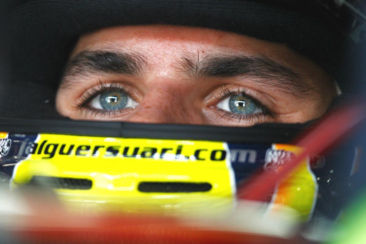 Jaime Alguersuari, en un box de Fórmula 1.