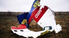 Restos del vuelo MH17 derribado sobre Ucrania. (Foto: AFP)