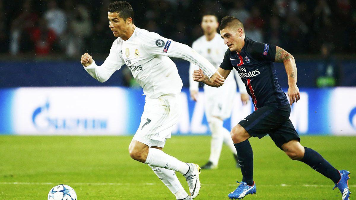 Cristiano Ronaldo trata de irse de Verratti. (Foto: Reuters)