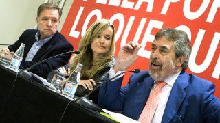 Marcelino Iglesias, Juan Alberto Belloch y la senadora socialista Pilar Alegria. (Foto: EFE)