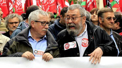 El secretario general de CCOO, Ignacio Fernández Toxo, y el ex secretario general de UGT, Cándido Méndez. (Foto: EFE)