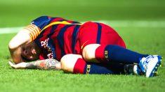 Messi durante el momento que se produjo su lesión (Getty)