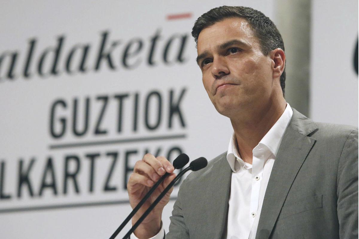 Pedro Sánchez en rueda de prensa. (Foto: EFE)