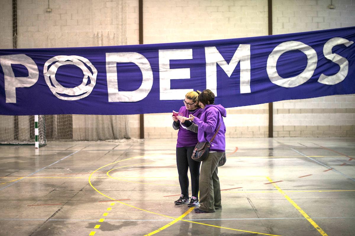 Dos interventores de Podemos. (Foto: GETTY)