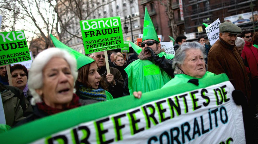 Manifestación de clientes de Bankia afectados por el fraude de las preferentes. (Foto: GETTY)