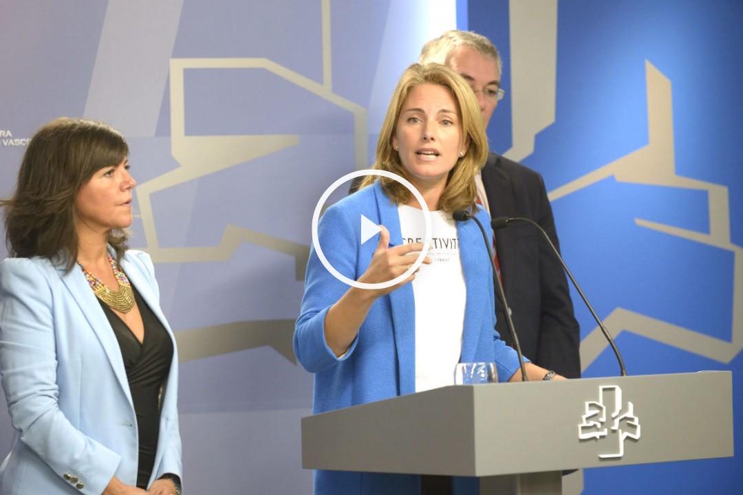Arantza Quiroga durante una rueda de prensa. (Foto: EFE)