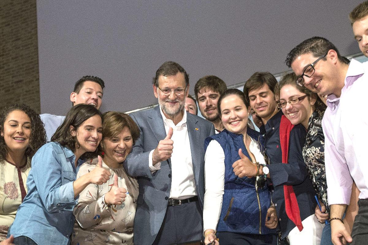 Mariano Rajoy en un acto en Valencia. (Foto: EFE)