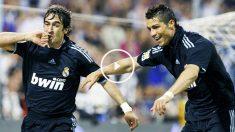 Raúl y Cristiano, compañeros y mitos del Real Madrid (Foto: EFE)