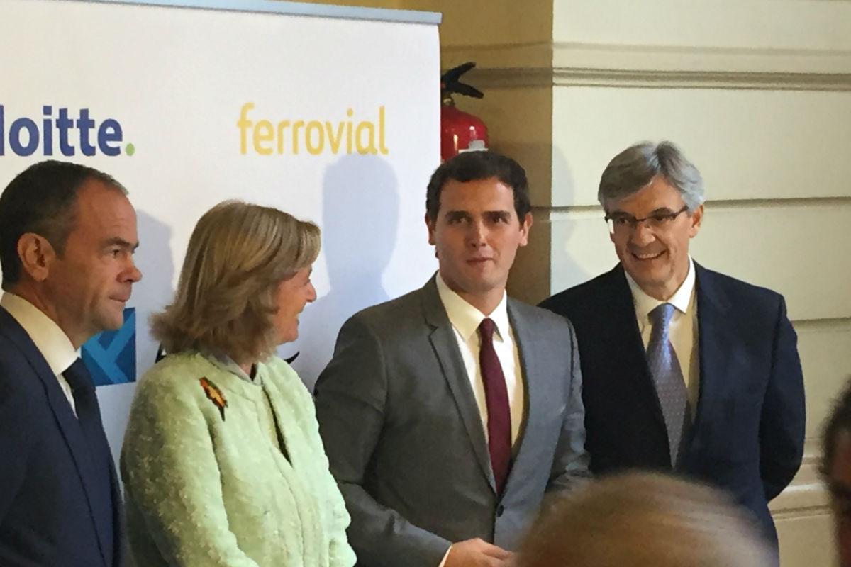 Albert Rivera a su llegada al foro ABC-Deloitte. (Foto: EFE)