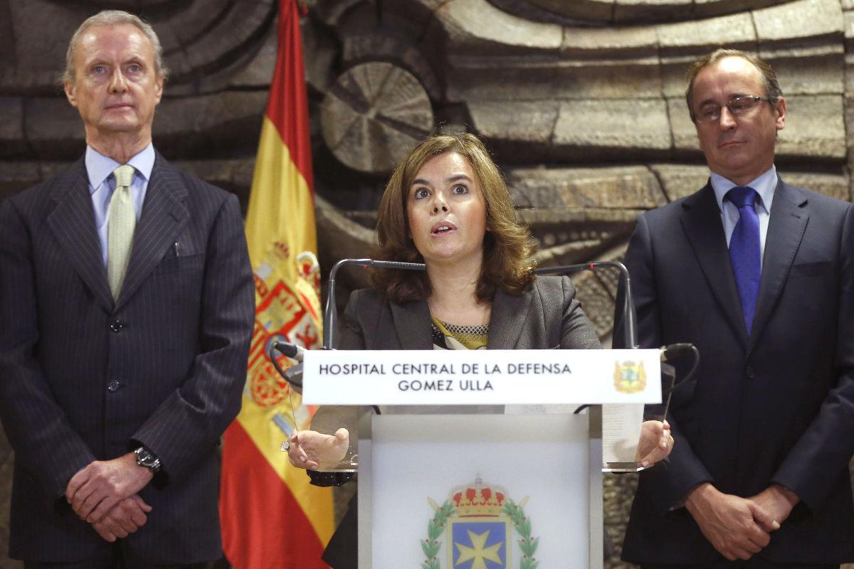Soraya Sáenz de Santamaría en una rueda de prensa. (Foto: EFE)