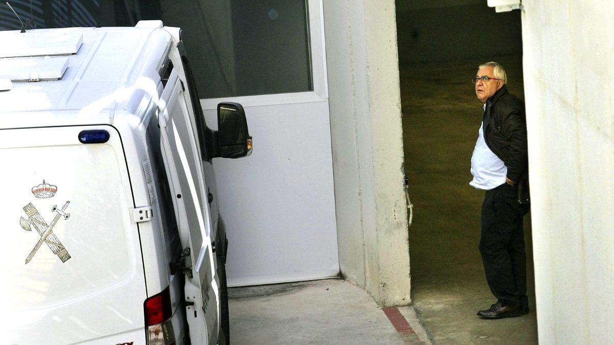 Andreu Viloca a su llegada al juzgados (Foto: Efe)