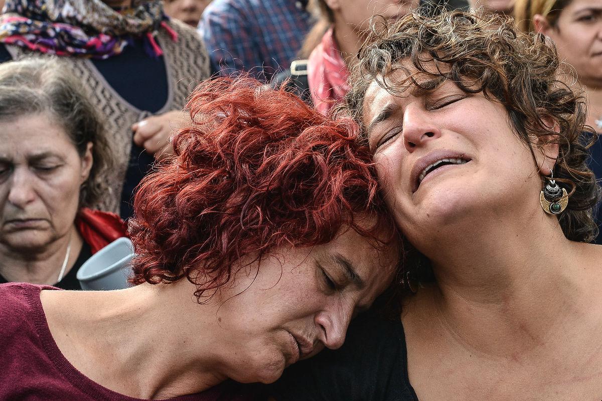 Lágrimas por los fallecidos por el atentado de Ankara. (Foto: Getty)