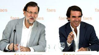 El presidente del PP, Mariano Rajoy, y el presidente de FAES, José María Aznar.