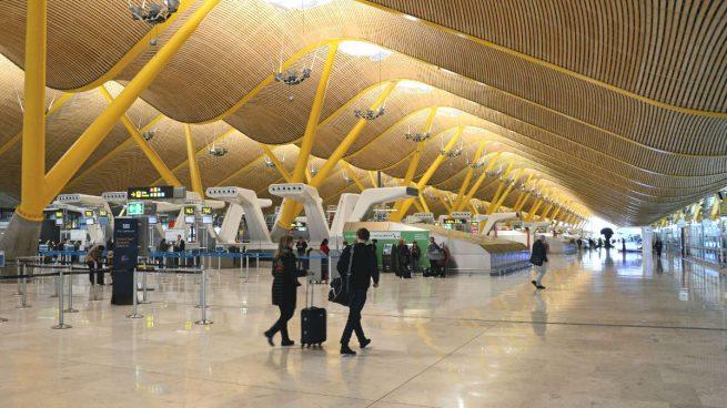 Los sindicatos de Aena dan más tiempo a Fomento y aplazan la huelga en los aeropuertos