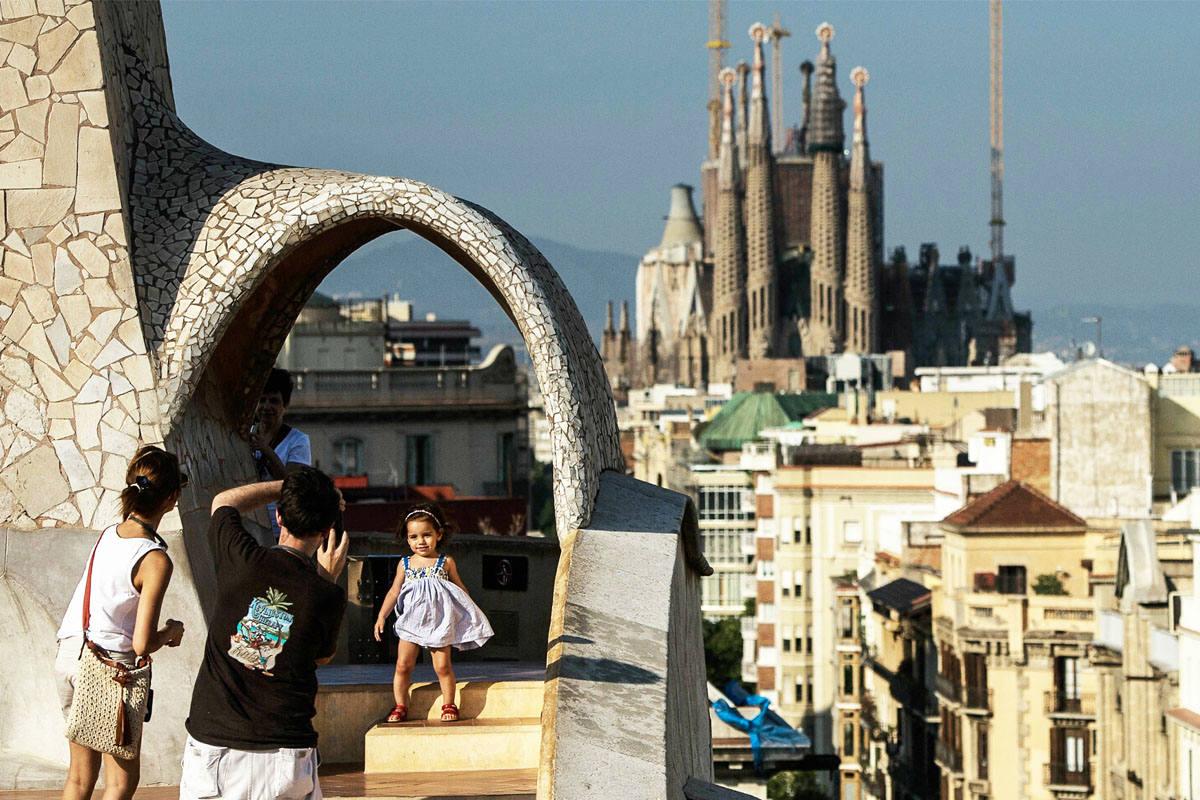 Turistas visitando Barcelona