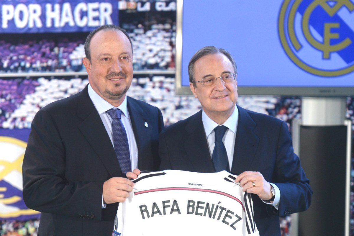 Rafa Benítez, junto a Florentino Pérez el día de su presentación. (Getty)