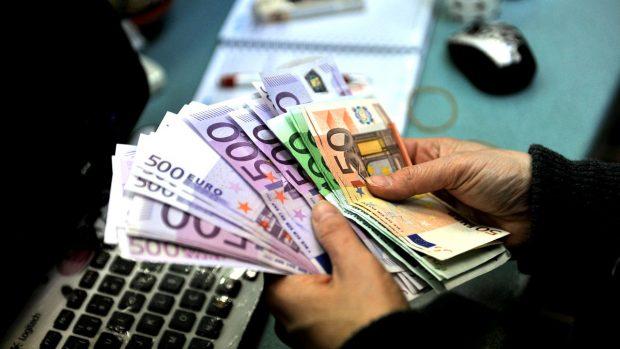 Los inversores prefieren quedarse con el dinero en efectivo que invertir (Foto: Getty).