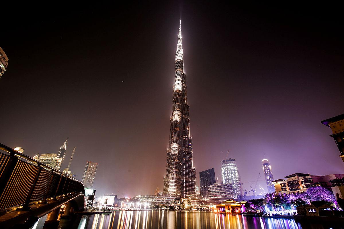 Burj Khalifa, el edificio más alto del mundo, se eleva 828 metros. (Foto: Getty)