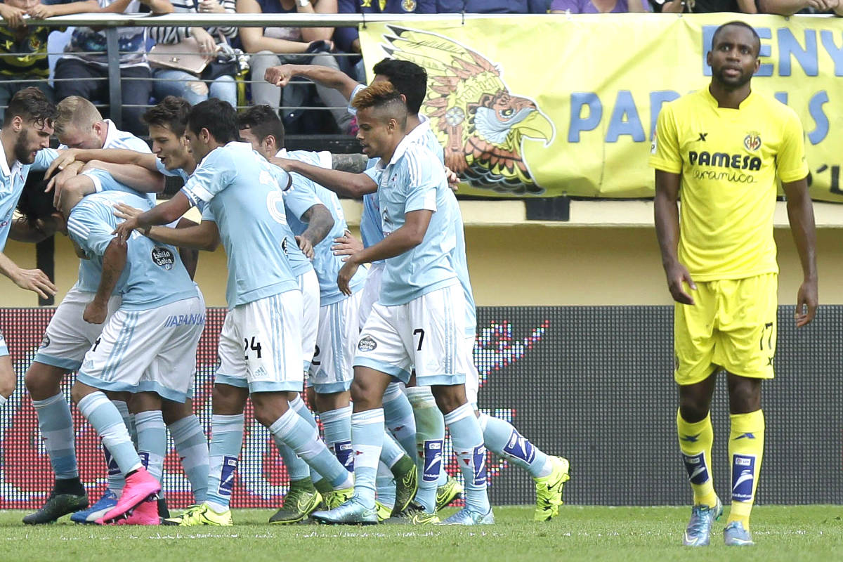 Los jugadores del Celta celebran uno de sus goles conseguidos en El Madrigal.