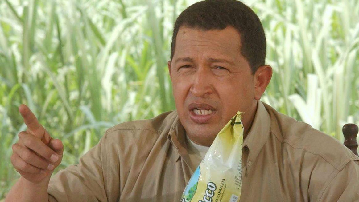 Hugo Chávez durante una emisión de su monólogo televisivo Aló Presidente (Foto: Getty)