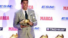 Cristiano Ronaldo posa con sus cuatro Botas de Oro. (AFP)