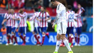 Cristiano Ronaldo, con gesto desolado en el último derbi de Liga en el Calderón (4-0). (Getty)