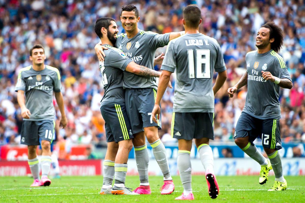 Cristiano celebra uno de sus goles ante el Espanyol junto a sus compañeros (Getty)