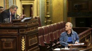 Posada llama la atención a Cuadra, hoy en el Congreso (Foto: Efe)