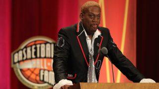 El miembro del Hall of Fame Dennis Rodman se gastó todo su dinero en joyas, strip-tease y excentricidades (Getty)