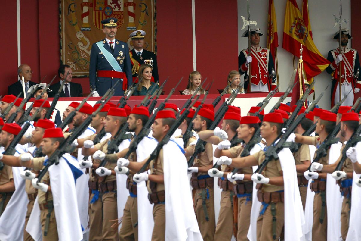 Desfile militar ante el Rey Felipe VI (Foto: Efe)
