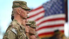 Soldados estadounidenses en una ceremonia de partida a Afganistán en Colorado. (Foto: Getty)