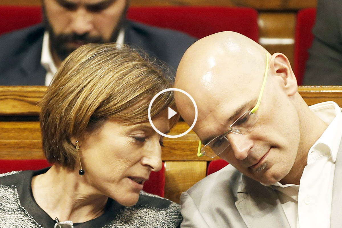 Carme Forcadell y Raül Romeva, presidenta del Parlament y número 1 de Junts pel Sí, respectivamente. (Foto: EFE)