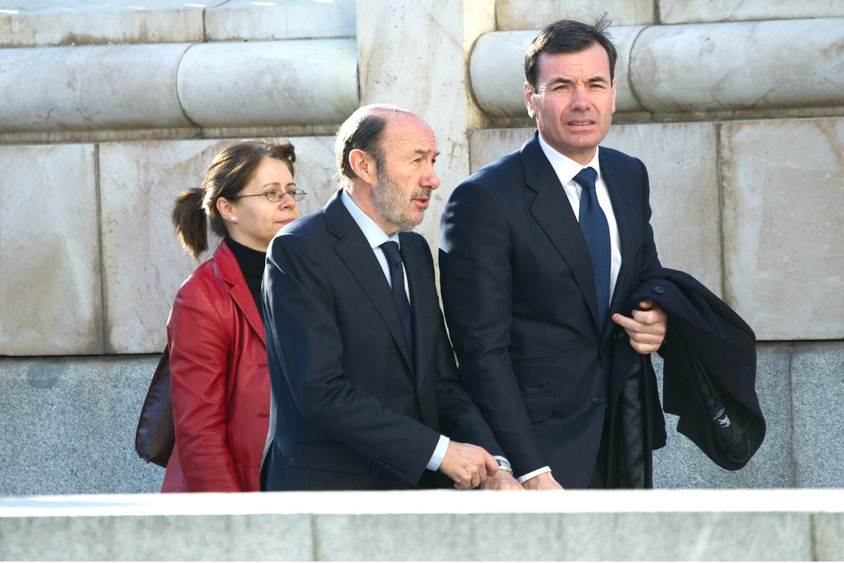 Tomás Gómez, acompañado de Rubalcaba, en una imagen de archivo (Foto: Getty)
